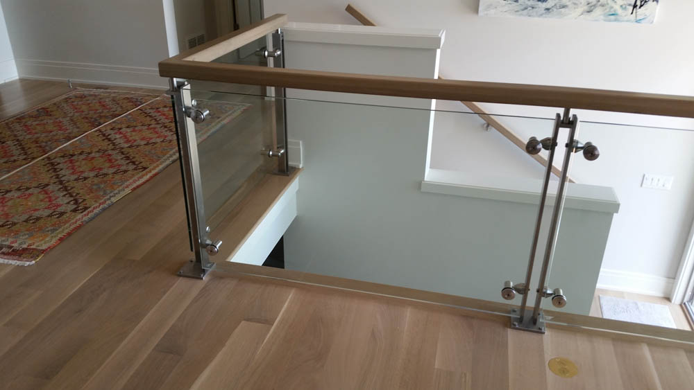 Residential glass railings hellenbrand waunakee wi